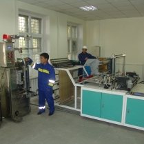Equipment for the encapsulation the content of the capsules